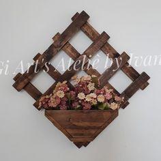 Bird Design, Wall Design, Woodworking Projects Diy, Wood Projects, Craft Stick Crafts, Wood Crafts, Vintage Garden Decor, Planter Boxes, Planters