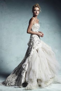 Amazing Gowns: Photo