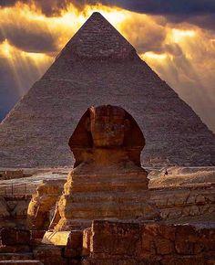 Great Pyramid of Giza, Egypt . . . ➖➖➖➖➖➖➖➖➖➖➖➖➖ #france #indonesia #philippines #wanderlust #usa #canada #dope #tbt #switzerland #landscape #thailand #fujifilm #australia #vscocam #gopro #stunning #singapore #wcw #perfection #turkey #luxury #california #nyc #nikon #canon #outdoors #closeup #italy #egypt