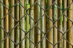 How to Build Wood Fence . How to Build Wood Fence . Wooden Fence Gates In 2019 Chain Link Fence Cover, Chain Link Fence Privacy, Chain Fence, Painted Chain Link Fence, Vinyl Fence Panels, Fence Slats, Diy Fence, Wood Fences, Fancy Fence