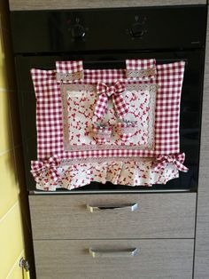 Flower Crafts, Vintage Kitchen, Stove Covers, Needlework, Projects To Try, Decorative Boxes, Patches, Shabby Chic, Quilts