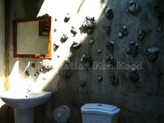 Half open-roof bathroom with natural design @ Horizon Resort, Koh Kood (Thailand)