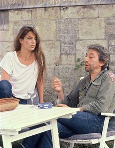 Jane Birkin and Serge Gainsbourg, 1979 Charlotte Gainsbourg, Serge Gainsbourg, Gainsbourg Birkin, Rachel Zoe, Style Jane Birkin, Vintage Beauty, Vintage Fashion, Boy Scout Shirt, Mundo Hippie