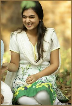 Nazriya Nazim Cute Photoshoot in Bangalore Days and HD Images Beautiful Girl Indian, Most Beautiful Indian Actress, Beautiful Actresses, Gorgeous Girl, Indian Film Actress, South Indian Actress, Indian Actresses, Cute Celebrities, Celebs