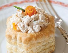 Apricot-Chive Chicken Salad in Puff Pastry Shells: This easy chicken salad from TeaTime magazine gets a new twist by adding apricot. Puff Pastry Shell Recipe, Tee Sandwiches, Finger Sandwiches, Almond Chicken, Apricot Chicken, Afternoon Tea Recipes, Autumn Tea, Pastry Shells, Appetizer Recipes