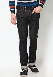 Tailored in skinny fit, these black coloured jeans from the house ...