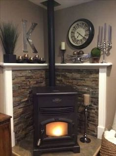 47 Ideas For Living Room Wood Stove Decor Corner Wood Stove, Stove Decor, Vaulted Ceiling Kitchen, Pellet Stove, Living Room Wood, Wood Stove Decor, Standing Fireplace, Livingroom Layout, Corner Fireplace