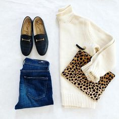 Cream sweater, skinn