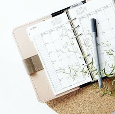 Appels à texte et concours d'écriture - Practical Tips for Cleaning at Home Date Nights, Bullet Journal School, Bullet Journal Inspo, Sparks Joy, Best Planners, 2019 Calendar, Yearly Calendar, All Or Nothing, Bridesmaid Proposal