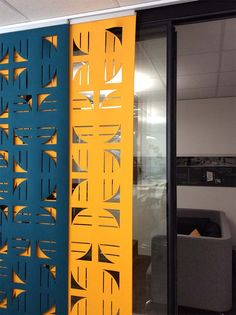 Flux hanging screens help soften the acoustics and create privacy for glass fronted meeting rooms. Office Screens, Office Dividers, Office Decor, Shop Interiors, Office Interiors, Screen Design, Wall Design, Partition Design, Partition Screen