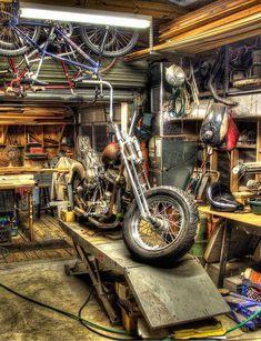 Man Cave Garage to get Motorcycle Man Cave Ideas, Motorcycle Workshop, Motorcycle Shop, Motorcycle Garage, Motorcycle Style, Motorcycle Humor, Garage Bike, Garage Shop, Custom Motorcycles