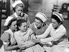 The Snake Pit starring Olivia de Havilland, is one of the 1001 classic movies you should see. Olivia De Havilland, Satire, Carl Jung, Caricatures, Beste Comics, Tokyo, Le Pilates, Cinema, Straight Jacket