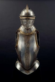 Burgonet, plastron and carapace armor.... Made around 1570-1575. Belonged to…