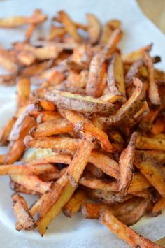 Restaurant style fries from your oven! Homemade Fries, Homemade French Fries, Potato Dishes, Potato Recipes, Fried Red Potatoes, Side Dish Recipes, Dinner Recipes, Good Food, Yummy Food
