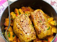 Découvrez la recette Filet mignon et potiron en cocotte sur cuisineactuelle.fr. Roasted Meat, Batch Cooking, Chicken Wings, Zucchini, Food And Drink, Turkey, Dinner, Vegetables, Healthy