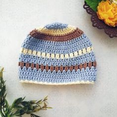 The creamy crochet baby beanie is the perfect set up of a crochet beanie with a flexibility for color combos swaps. I designed this beanie with much love! Baby Beanie Crochet Pattern, Crochet Baby Mittens, Crochet Baby Blanket Beginner, Beanie Pattern, Crochet Baby Booties, Crochet Slippers, Free Crochet, Crochet Hats, Crochet 101
