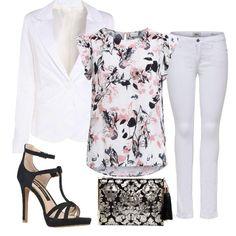 Look quasi totalità white, interrotto dal top a fiori su fondo bianco, con sandali e pochette grintosi!!