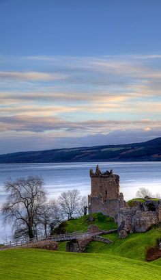 Castle's Rock - 08 April 2018 Urqhart Castle Loch Ness, Scotland Urquhart Castle (About this sound listen (help·info); Scottish Gaelic: Caisteal na Sròine) sits beside Loch Ness in the Highlands of. Scotland Top, Scotland Castles, Scottish Castles, Scotland Travel, Loch Ness Scotland, Glasgow Scotland, Ireland Travel, Places To Travel, Places To See