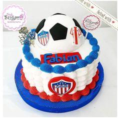 Torta en buttercream Junior tu papá Barranquilla escudo y balón