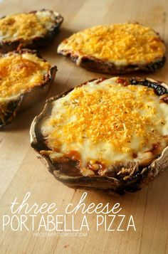 These easy cheesy portabella pizzas are a great low carb, healthy snack AND you can customize them with your favorite pizza toppings! Low Carb Recipes, Diet Recipes, Vegetarian Recipes, Cooking Recipes, Healthy Recipes, Atkins Recipes, Diabetic Recipes, Pureed Recipes, Chicken Recipes