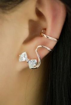 Lovely Fashion Alloy Gold Plated Bowknot Cubic Zirconia Women's Single Ear Cuff, Two Colors Available ^^ super cute i want a pair Ear Jewelry, Cute Jewelry, Jewelry Box, Jewelry Accessories, Fashion Accessories, Jewelry Design, Women Jewelry, Fashion Jewelry, Jewlery