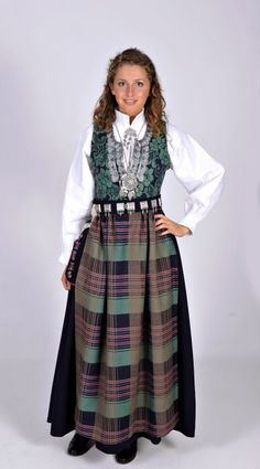 Nordmøre - Ny, sydd til dine mål Norwegian Clothing, Folk Costume, Costumes, Norwegian Wedding, Folk Clothing, Classy And Fabulous, Ethnic Fashion, Traditional Dresses, High Waisted Skirt
