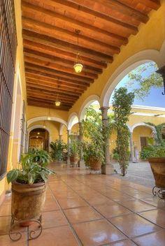 la-casa-de-los-patios.jpg (301×450)