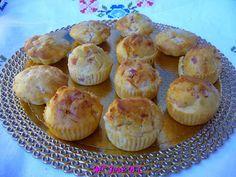 Magdalenas saladas de jamón y queso