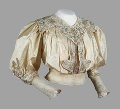 Blouse, 1900′s #edwardian #belle epoque From the Musée de la Mode, Albi