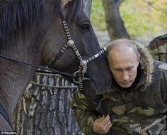 Vladimir Putin loves animals (24 ftoto)