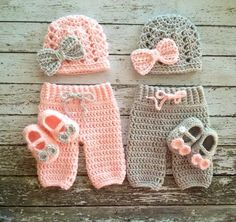 Twin fotografie Prop Set in bleek roze en grijs - haak Baby broek in 3 maten-MADE TO ORDER                                                                                                                                                                                 More