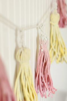 DIY (Adorable) Dip-Dyed Tassels (http://blog.hgtv.com/design/2014/09/16/diy-dip-dyed-tassels/?soc=pinterest)