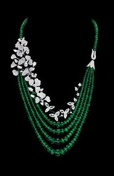 Emerald & diamond 'Wildflower' necklace by David Morris (make it with little crochet flowers and glas beads)