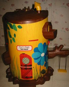 Mouse Tree House.  I loved this!  It had an elevator for the baby mice to ride in!