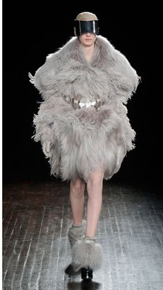 Alexander McQueen   2012 AW Fashion Show   Womens Autumn Winter Collection