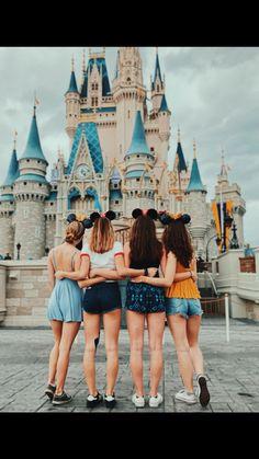 Friendship goals cute disney pictures, bff pictures и Disney World Pictures, Cute Disney Pictures, Bff Pictures, Friendship Photography, Friendship Photos, Disneyland Photos, Disneyland Outfits, Photos Bff, Best Friend Pictures