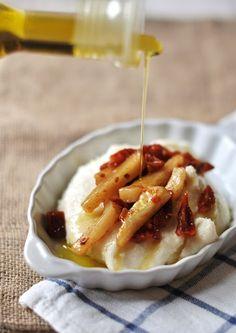ESSENZA IN CUCINA: Ragù di croste di Parmigiano con polenta bianca