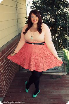 We love this pretty in pink look from Brittany of @thefatgirlguide!