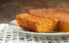 Recipe: 'Guiltless' Carrot Cake — Only 120 Calories Heart Healthy Desserts, Healthy Cake Recipes, Delicious Cake Recipes, Great Desserts, Diabetic Recipes, Yummy Cakes, Low Carb Recipes, Sweet Recipes, Dessert Recipes