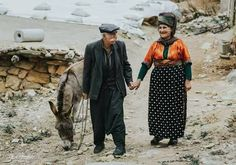 Kurdish elderly couple from the countryside of Kurdistan Elderly Couples, Old Couples, Old Photography, Kurdistan, People Of The World, Fairy Tales, Photo And Video, History, Instagram Posts