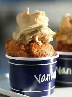 #vanbolefeste #Milano #Bakery  Van Bol with ice cream
