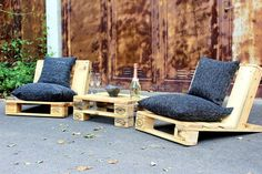 There are many attractive styles to create the patio furniture, but the urban style reclaimed wood pallet patio furniture looks amazing. Those who love to...