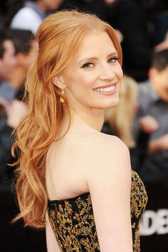 Jessica Chastain at the Oscars! Loving her strawberry blonde hair! Oscar Hairstyles, Celebrity Hairstyles, Down Hairstyles, Wedding Hairstyles, Simple Hairstyles, Hairstyles Haircuts, Summer Hairstyles, Red Carpet Hairstyles, Gorgeous Hairstyles
