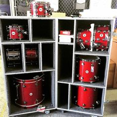 How easy would that be? As long as you have a big enough truck.and no steps into the venue! Drums Studio, Home Studio Music, Home Crafts, Diy Home Decor, Drum Cases, Drum Accessories, Road Cases, Snare Drum, Bass Drum