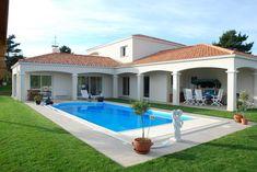 House Designs Exterior, House Design, Duplex House, Villa Design, Home Room Design, Hacienda Homes, Small House Design, House Front Porch, House Exterior