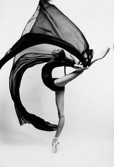 Art for art's sake — 'Dance is the ritual of immortality' Shah Asad. Ballerina Poses, Ballet Poses, Dance Poses, Ballet Dancers, Contemporary Dance, Modern Dance, Cute Bear Drawings, Dance Photography Poses, Dancers Body