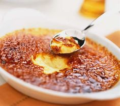 Do you love creme brulee? I sure do and this creme brulee recipe is the best one out there! Tried and true! I guarantee it! Köstliche Desserts, Dessert Recipes, Plated Desserts, Cream Brulee, Brulee Recipe, Reeses Peanut Butter, Sweet Recipes, Fancy Recipes, Love Food