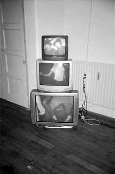 "rendezv-ous: ""my-fuckedup-won-der-land: ""✥✝Grunge/Disp☹sable✝✥ "" i got free pizza and cigarettes ✞ "" Nam June Paik, Grunge Photography, Digital Photography, Illustrator, Retro Aesthetic, Music Aesthetic, Looks Cool, Aesthetic Pictures, Wall Collage"