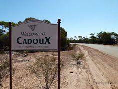 cadoux-town-sign-01-2012.JPG (1200×900)