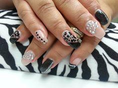 LCN nails by Damaris black nude
